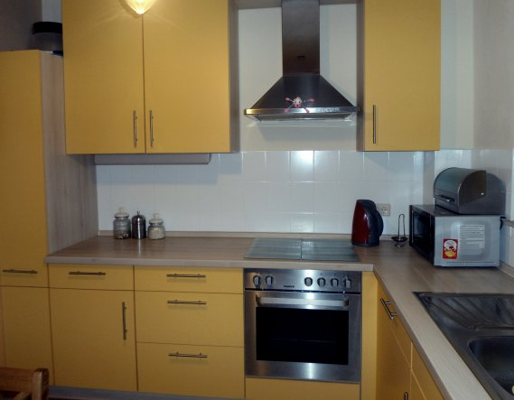 Küche 'Sonnige Küche im Retrolook'