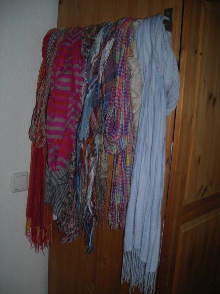 eine für mich super Lösung für meine große Anzahl an Tüchern und Schals