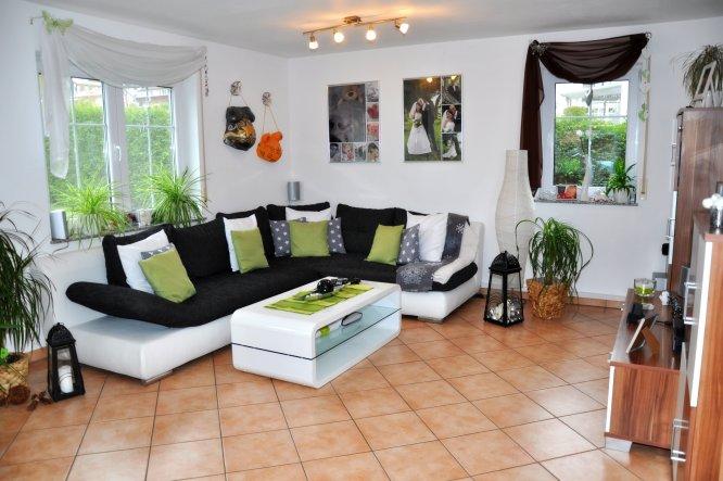 wohnzimmer 39 wohnzimmer 39 das haus der hausi s zimmerschau. Black Bedroom Furniture Sets. Home Design Ideas