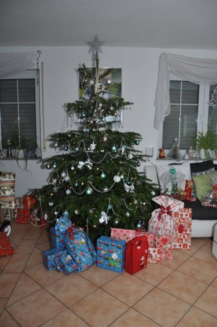 weihnachtsdeko 39 weihnachten 39 das haus der hausi s. Black Bedroom Furniture Sets. Home Design Ideas