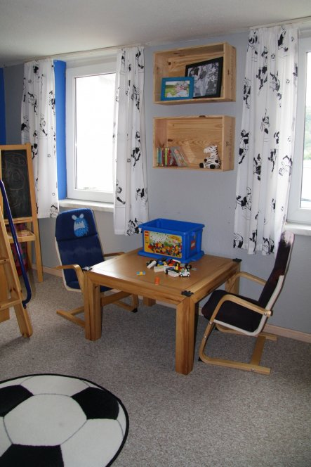 kinderzimmer 39 jungen zimmer 39 unser h usle zimmerschau. Black Bedroom Furniture Sets. Home Design Ideas