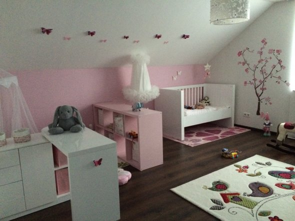 kinderzimmer 39 ein traum jeder prinzessin 39 unser yade palais zimmerschau. Black Bedroom Furniture Sets. Home Design Ideas