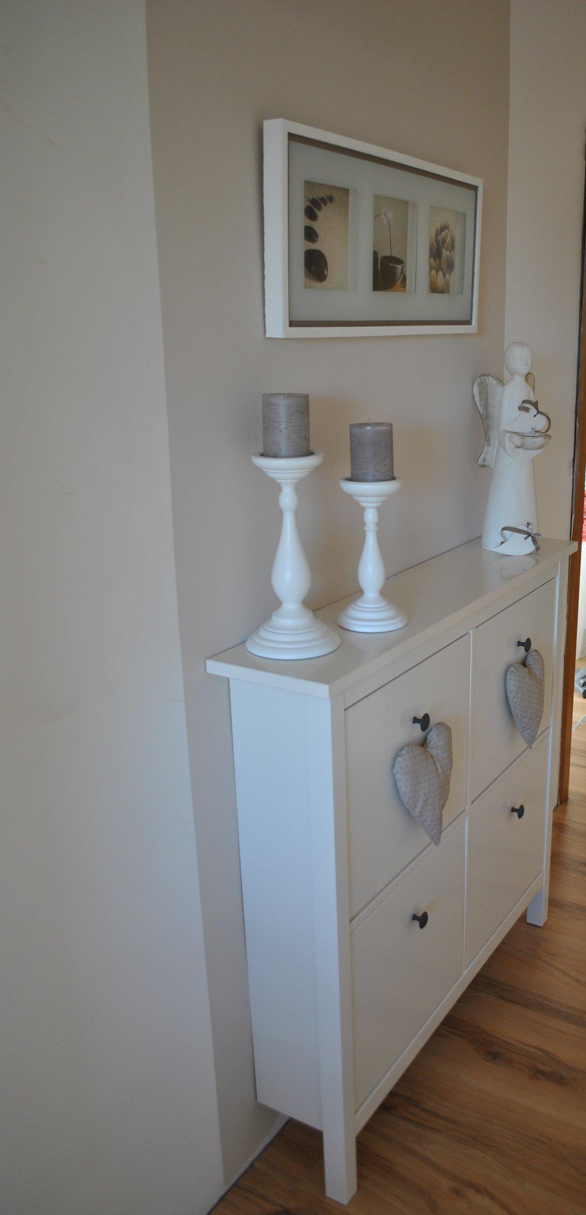 flur diele 39 kleine flur unten 39 unsere haus zimmerschau. Black Bedroom Furniture Sets. Home Design Ideas