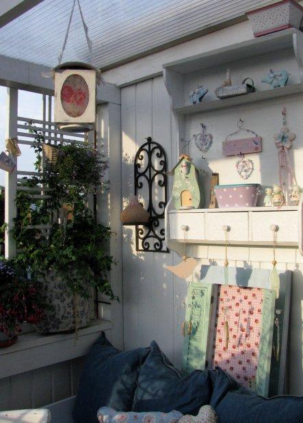 terrasse balkon 39 mein kleiner balkon 39 mein domizil zimmerschau. Black Bedroom Furniture Sets. Home Design Ideas