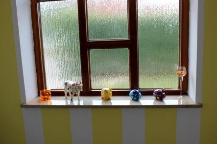 Flur diele 39 vorflur 39 unser geschenktes eigentum danke omii zimmerschau - Fenster fur treppenhaus ...