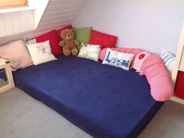 Kinderzimmer kinderzimmer unser wohlf hlhaus von - Matratze kuschelecke kinderzimmer ...