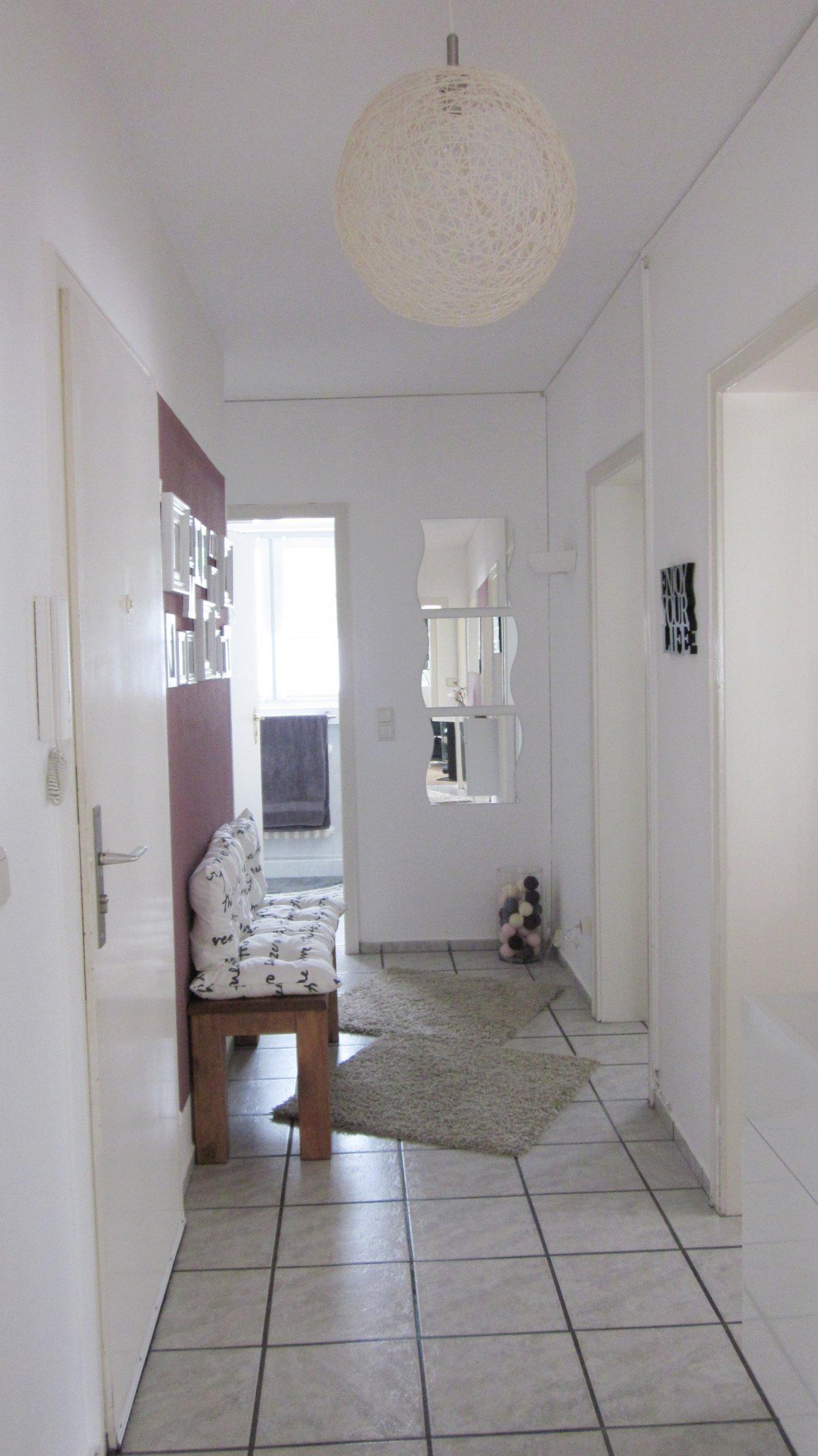 flur diele 39 flur 39 neue wohnung zimmerschau. Black Bedroom Furniture Sets. Home Design Ideas