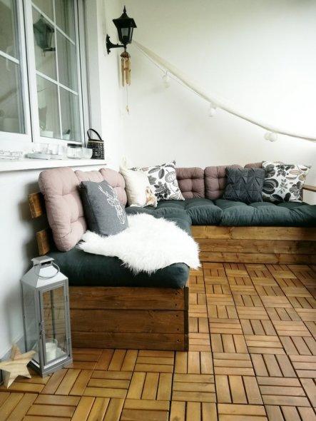 ...nur kurze Zeit später nach dem Frühlings-Makeover hatte ich spontan Lust auf eine Lounge - und habe diese dann zusammen mit meinem Freund gebaut. A
