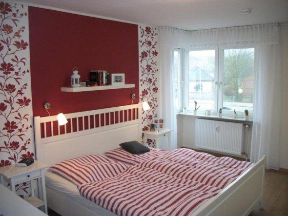 schlafzimmer 39 red dreams 39 pueppisreich zimmerschau. Black Bedroom Furniture Sets. Home Design Ideas
