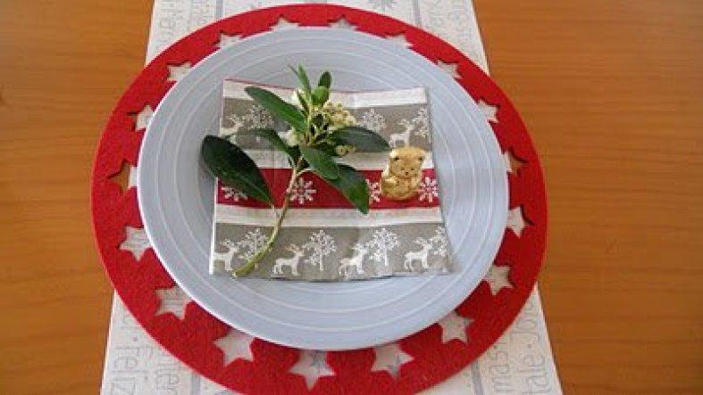weihnachtsdeko 39 weihnachtliche tischdeko 39 mi casa zimmerschau. Black Bedroom Furniture Sets. Home Design Ideas