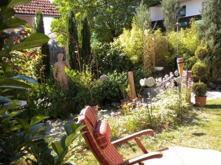 Dieser Gartenteilm ist direkt vom Wintergarten erreichbar