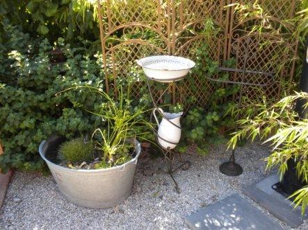 Teilansicht der Erfrischungsecke in unserem mediterranen Gartenteil
