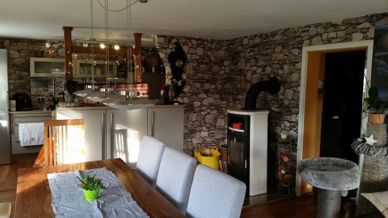 unser Eßplatz,  mit Blick in die offene Küche,  Einbau der Küchenteile hat mein Mann selber gemacht ..
