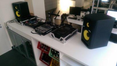 Tipp & Trick 'DJ-Pult im Büro'