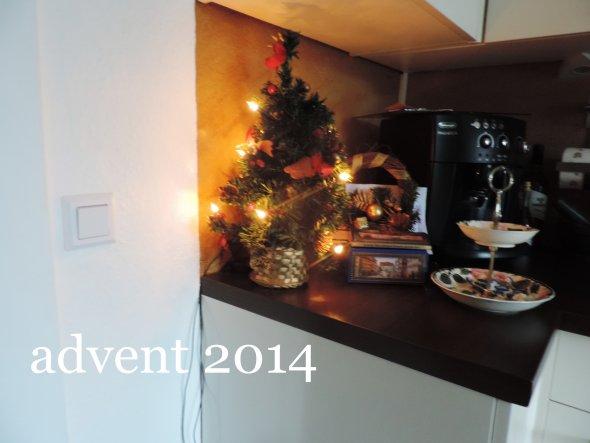 auch in der Küche weihnachtliche Deko