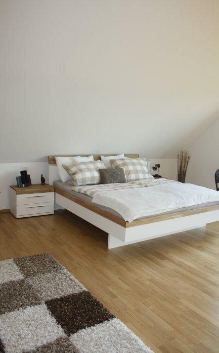 Unser Bett - mit einem riesigen Nachteil!  Es ist zu gemütlich! Wenn man liegt, dann liegt man. Aufstehen fällt sehr schwer ;)