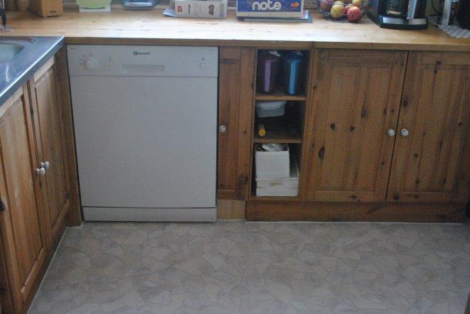Küche 'Küchenfronten weiß gestrichen/vorher/nachher'