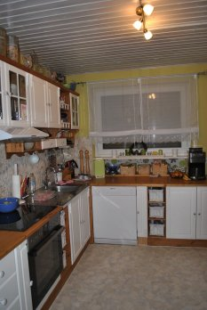 Küchenfronten weiß gestrichen/vorher/nachher