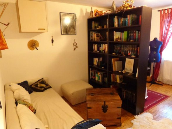 Hobbyraum 'Bibliothek/ Nähzimmer'