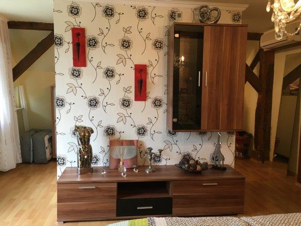 11/2017 - Mittelelement des begehbaren Kleiderschranks.  Und gestalterische Mitte des Schlafzimmers.