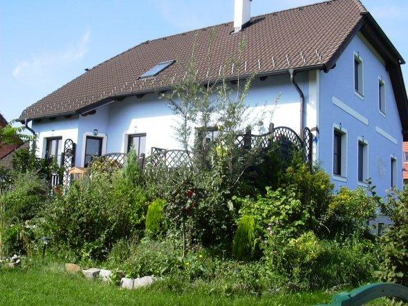 Hausfassade / Außenansichten 'Gartenansicht'
