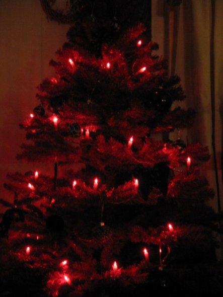 mal ein roter tannenbaum