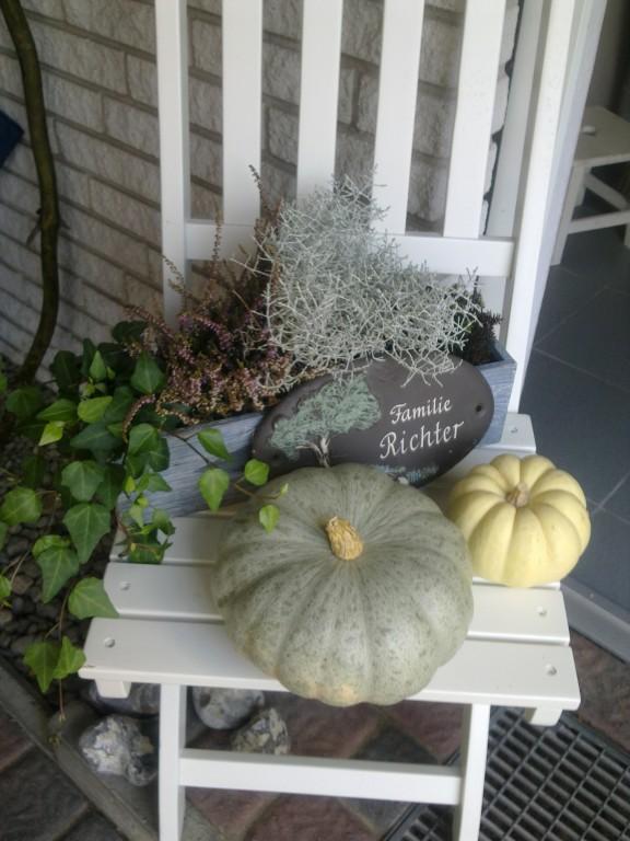 Hausfassade  Außenansichten Herbstdeko  My Home is my