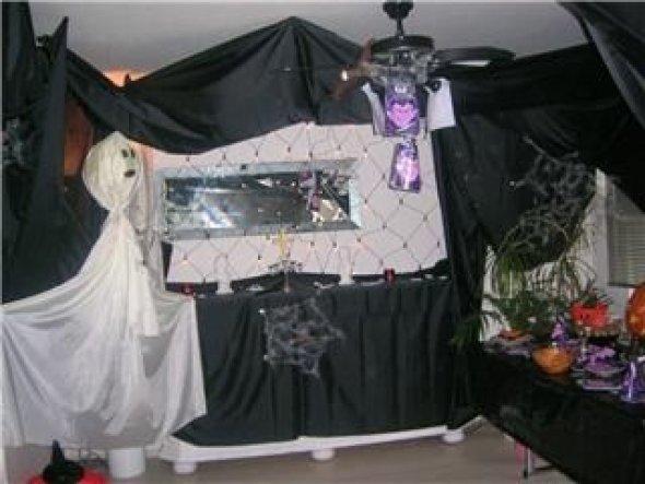 Die Kinder wünschten sich ein Altar,hmm okay der Schrank musste ran,tadaaaa..
