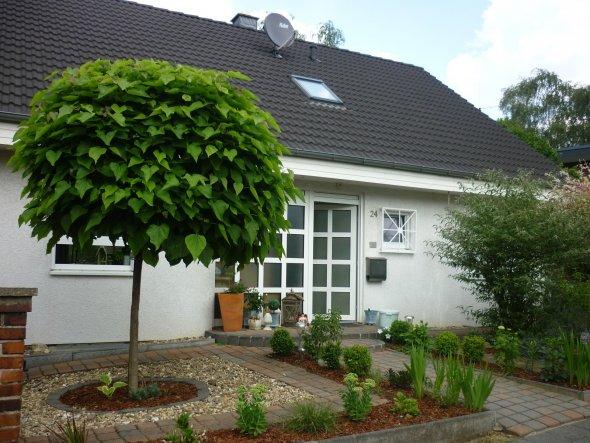 hausfassade au enansichten 39 vorgarten aktuell 39 jolie maison zimmerschau. Black Bedroom Furniture Sets. Home Design Ideas