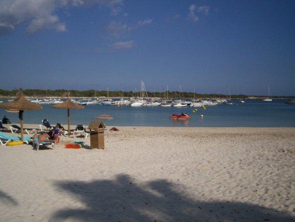 Strandidylle in St. Jordi