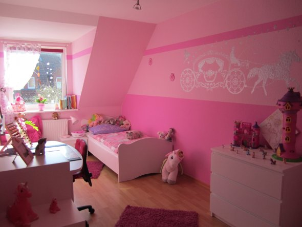 kinderzimmer 39 m dchen zimmer 39 unser haus zimmerschau. Black Bedroom Furniture Sets. Home Design Ideas