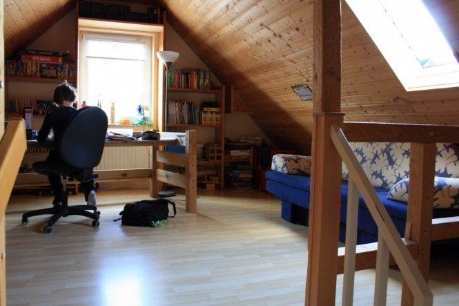 arbeitszimmer b ro 39 neuer dachboden 39 unser kleines zu hause zimmerschau. Black Bedroom Furniture Sets. Home Design Ideas