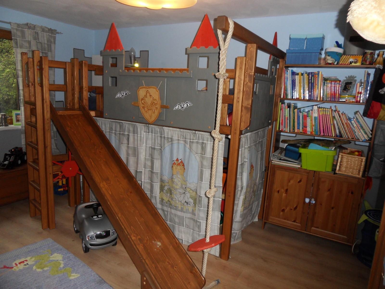 Kinderzimmer junge ritter for Kleinkind zimmer junge