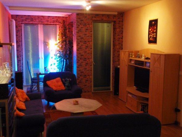 Wohnzimmer rechts von der Küche aus gesehen