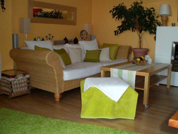 Alte Couch - neue Look - in frühlingsfrischem Grün