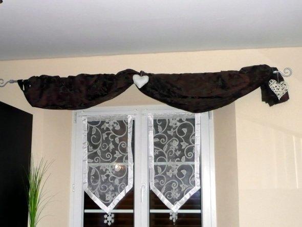 Jetzt hab ich es endlich auch mal geschafft, neue Vorhänge vorzustellen. Viel besser als die in orange, oder???