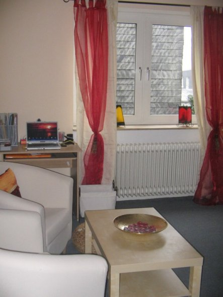 wohnzimmer 39 wohnen in 1001 nacht 39 meine azubi wohnung zimmerschau. Black Bedroom Furniture Sets. Home Design Ideas