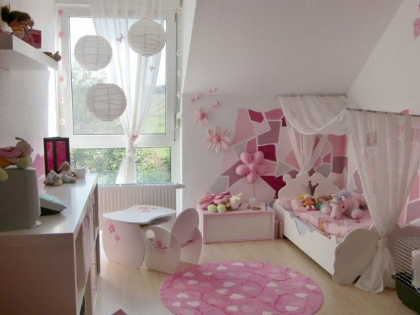kinderzimmer 39 rosa mosaik 39 mein domizil zimmerschau. Black Bedroom Furniture Sets. Home Design Ideas