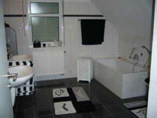 Mein Bad in schwarz/weiß