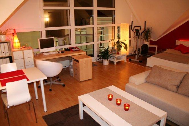 wohn schlaf esszimmer in einem raum ~ home design und möbel ideen, Esszimmer dekoo