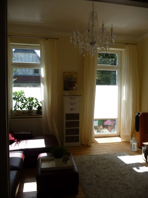 wohnzimmer 39 wohn e zimmer 39 gr nderzeitschatztruhe zimmerschau. Black Bedroom Furniture Sets. Home Design Ideas