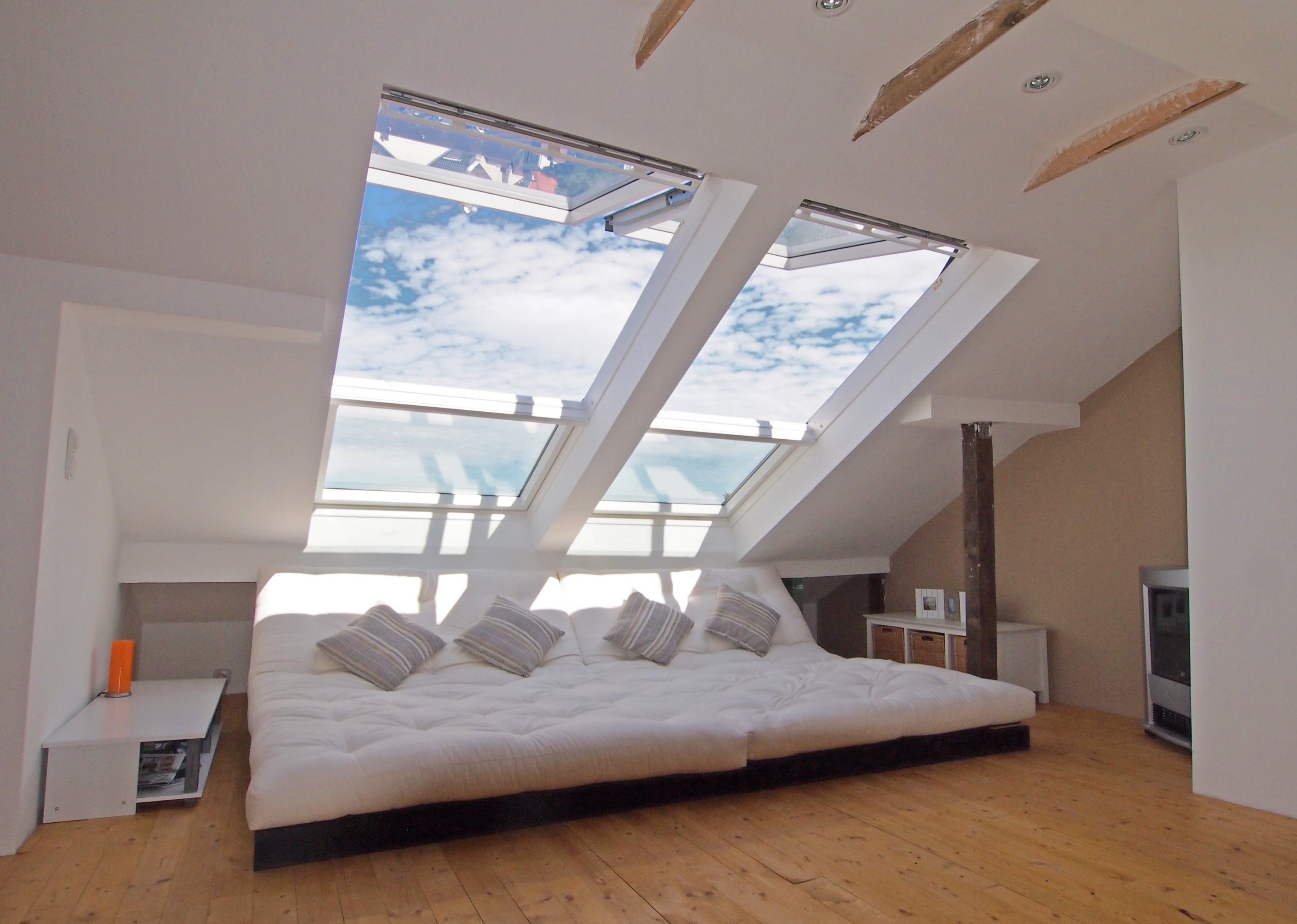 wohnzimmer dach deko : Wohnzimmer Chillen Unterm Dach Gr Nderzeitschatztruhe