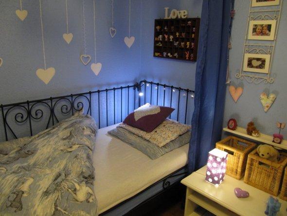 Kinderzimmer 39 elinas reich 39 unsers dehei zimmerschau - Leselampe am bett ...