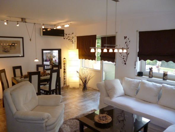 wohnzimmer 39 wohnzimmer 39 herzlich willkommen senator. Black Bedroom Furniture Sets. Home Design Ideas