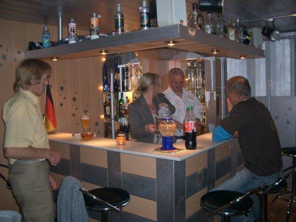 Hobbyraum 39 keller partyraum bar 39 mein domizil zimmerschau - Partyraum einrichten ...