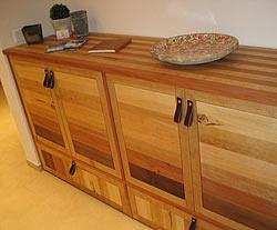 Das wohnzimmer mit massivholz m beln einrichten zimmerschau for Sideboard nordisch